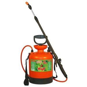 Опрыскиватель помповый садовый Жук 5 литров